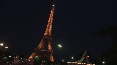 Eiffel-Tower-and-Carousel-at-Night