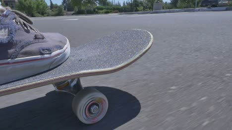 Skateboarding-Close-Up-1