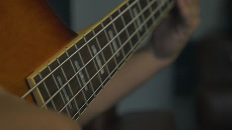 Bass-Guitar-in-Slow-Motion