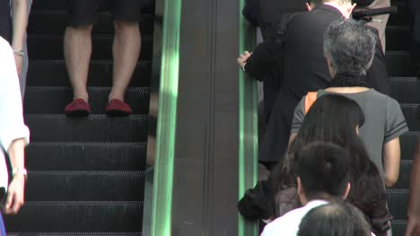 People-on-Escalator-in-Tokyo