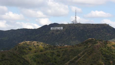 Hollywood-Sign-in-Los-Angeles