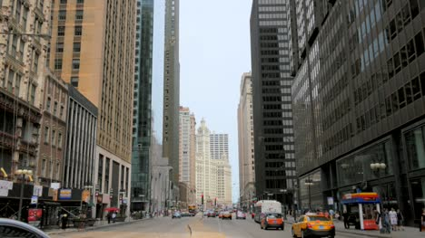 Downtown-Chicago-Street