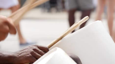 Street-Artists-on-Drums-2