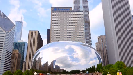 Cloud-Gate-Reflejo-del-centro-de-Chicago