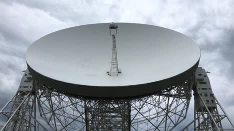 Moving-Radio-Telescope-Time-lapse