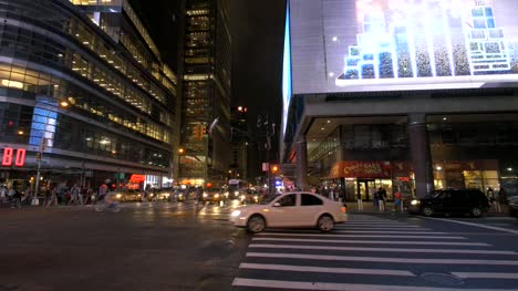 Panning-Across-Times-Square-at-Night