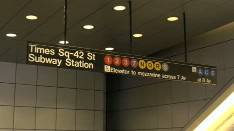 Close-Up-of-the-Times-Sqaure-Subway-Station-Sign