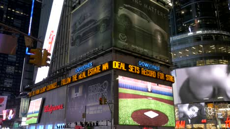 Illuminated-Displays-in-Times-Square