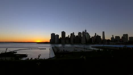 Time-Lapse-of-Sunsetting-Over-New-York
