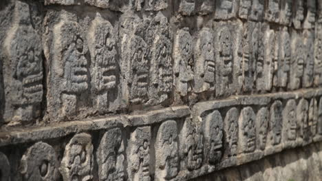 Wall-of-Skulls-at-Chichen-Itza-Mexico