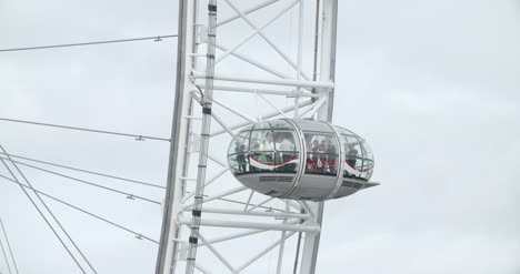 Close-Up-of-a-Pod-on-the-London-Eye