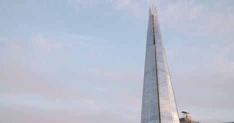 Clouds-Moving-Over-The-Shard
