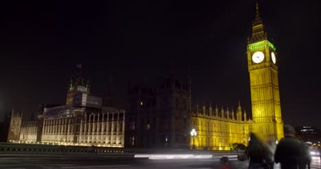 Timelapse-of-Westminster-Palace-at-Night