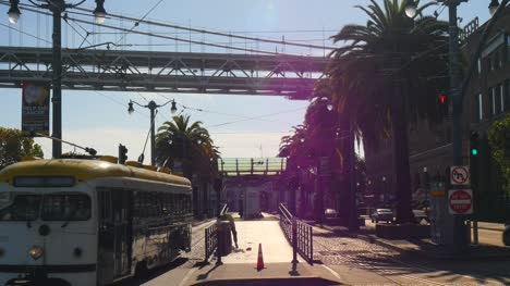 Vintage-Tram-Leaving-San-Francisco-Station
