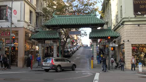 The-Gateway-Arch-Chinatown-San-Francisco