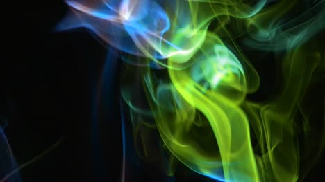Humo-coloreado-sobre-negro-04