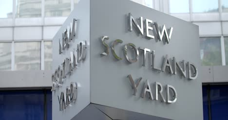 New-Scotland-Yard-Sign