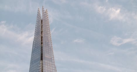 Close-Up-of-the-top-of-The-Shard-2