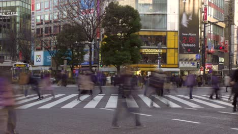 Timelapse-at-a-Busy-Intersection-in-Tokyo