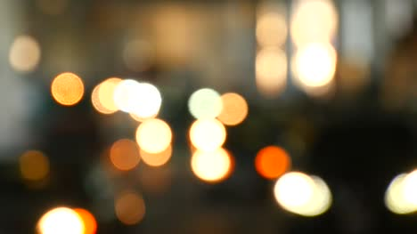 Bokeh-Traffic-in-Toronto