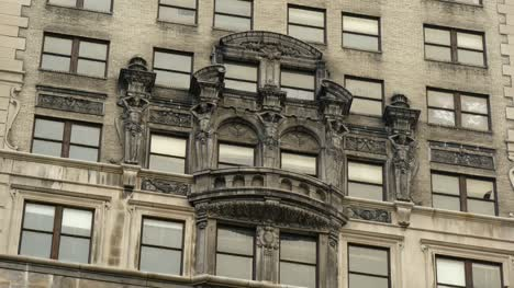 Sculptures-on-Detroit-Building