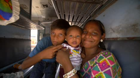 Indian-Woman-with-Children-on-Train