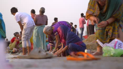 Traditionally-Dressed-Indian-Woman-at-River-Ganges