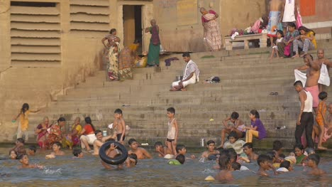 Children-Playing-in-River-Ganges