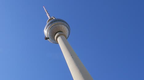 Looking-Up-at-Fernsehturm
