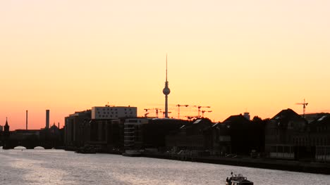 Sunset-Over-Silhouetted-Berlin-Skyline