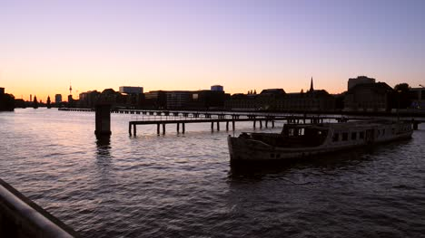 River-Spree-at-Sunset