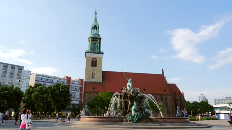 Neptunbrunnen-Fountain-Berlin