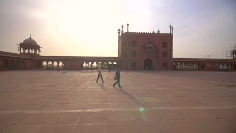 People-Walking-Through-Jama-Masjid-Delhi