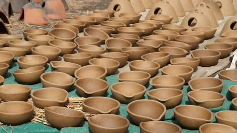 Clay-Pots-Drying-in-the-Sun