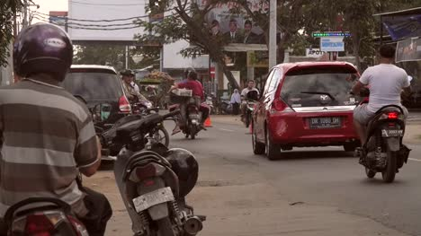 Motorcycle-Traffic-on-an-Indonesian-Road