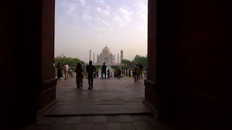 Taj-Mahal-Through-an-Archway