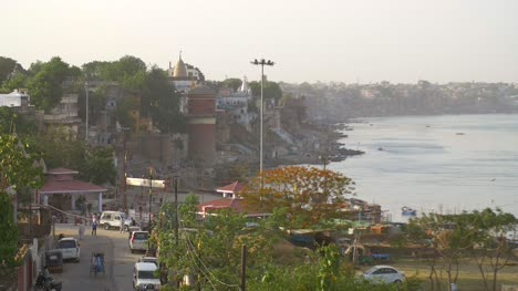 Ganges-Riverbank-in-Varanasi