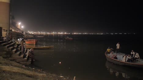 Focus-Pull-of-the-Ganges-Riverbank-at-Night
