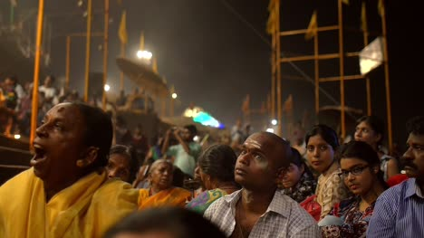 Attendees-of-the-Ganga-Aarti-Ceremony