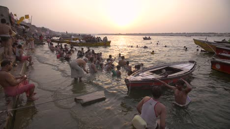 Bathers-in-the-Ganges-at-Sunset