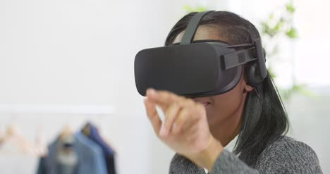 Close-Up-of-Woman-Using-VR-Headset