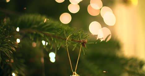 4K-Abstract-Christmas-Tree-Bokeh-2
