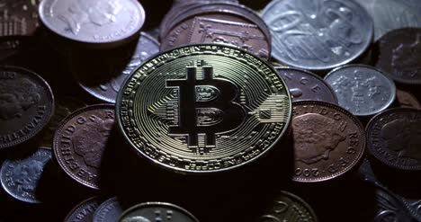 Casascius-Bitcoin-and-International-Currencies