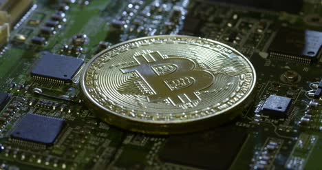 Casascius-Bitcoin-on-a-Circuit-Board-Close-Up