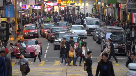 Focus-Pull-on-Busy-Hong-Kong-Street