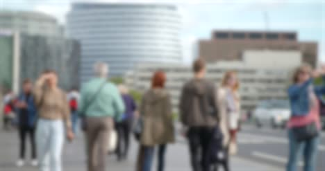 Out-of-focus-Crowd-on-Westminster-Bridge