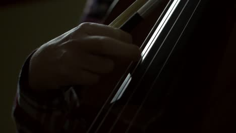 Hand-Plucking-Cello-Strings