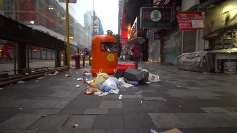 Overflowing-Rubbish-Bin-on-Hong-Kong-Street