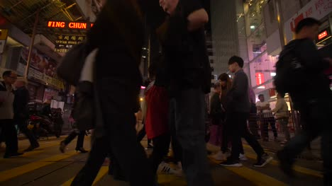 Crowd-Crossing-the-Street-in-Hong-Kong