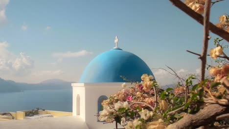 Tracking-to-Church-Dome-in-Santorini